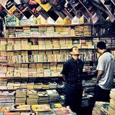 Libreria antiquaria a Kwitang, nel distretto di Senen, in Indonesia.