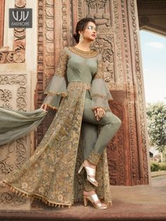 Indian dresses on sale: buy indian outfits & indian clothes online Indian Gowns Dresses, Indian Fashion Dresses, Dress Indian Style, Indian Designer Outfits, Fashion Outfits, Party Wear Indian Dresses, Fashion Usa, Eid Dresses, Indian Wear
