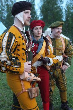 Jaegers. by Krigshjartan.deviantart.com on @DeviantArt Larp Armor, Medieval Armor, Medieval Fantasy, Mode Masculine, Historical Costume, Historical Clothing, Renissance Festival, German Costume, Landsknecht