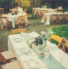 deco table wedding retro romantic country-style Source by lolochainer Wedding Reception, Rustic Wedding, Our Wedding, Dream Wedding, Wedding Country, Country Weddings, Wedding Tables, Vintage Weddings, Wedding Stuff