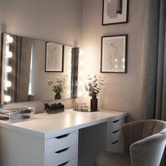 Cute Bedroom Decor, Stylish Bedroom, Room Ideas Bedroom, Bedroom Stuff, Beauty Room Decor, Makeup Room Decor, Dressing Room Decor, Dressing Table, Aesthetic Room Decor