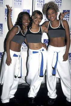 From the beginning, hip-hop design and style has been linked to airplane of relentless acme. Tlc Group, Girl Group, 2000s Fashion, Hip Hop Fashion, High Fashion, Black Girl Halloween Costume, Look Body, Nostalgia, 90s Hip Hop