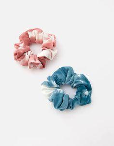 Pack of 2 tie-dye scrunchies - pull&bear Tie Dye Fashion, Diy Fashion, Punk Fashion, Fashion Dresses, Batik Mode, Diy Hair Scrunchies, Tie Dye Crafts, Tie Dye Outfits, Rock Outfits