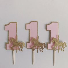 12 carousel cupcake toppers by Fancymycupcake on Etsy https://www.etsy.com/listing/536018226/12-carousel-cupcake-toppers