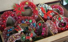 bottle brush wreaths....MOM had a few of these in her decorations...!!!