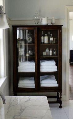Home Interior, Interior Decorating, Interior Design, Foyer Decorating, Decorating Kitchen, Decorating Ideas, Apartments Decorating, Bathroom Renos, Bathroom Towels