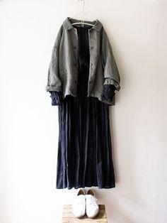 吉備リネンへリンボンカバーオール / khaki | コーディネート|nest Robe ONLINE SHOP Frock Fashion, Indie Fashion, Muslim Fashion, Daily Fashion, Korean Fashion, Fashion Dresses, Modest Fashion, Casual Hijab Outfit, Casual Outfits