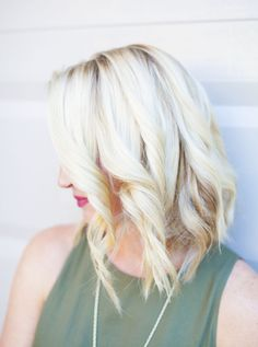 Step by Step Guide (with Pictures) on How-To Create Refined Beach Waves