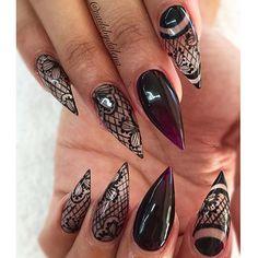 Stiletto nails @KorTeN StEiN☻