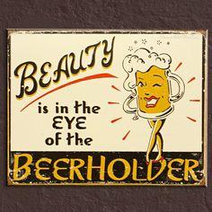 Los 5 mejores carteles de cerveza retro para tu casa: http://www.hogardecoracion.es/interior/los-5-mejores-carteles-de-cerveza-retro/
