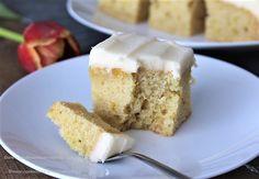 Deze citroencake bevat geen eieren of zuivel en is supermakkelijk te maken. Oorsprong Bij ons is deze cake niet zo bekend, maar met name in Amerika staat deze cake bekend als Crazy Cake, Wacky Cake of Depression Cake. Als je naar de oorsprong gaat zoeken, vind je de eerste gedocumenteerde recepten in de jaren 40 …