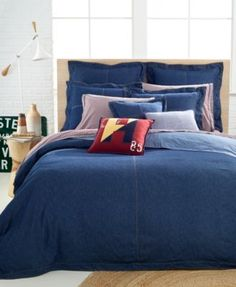 Keep it casual. Tommy Hilfiger's Denim duvet cover is your go-to essential anytime you want a laid-back look. Button closure. | Front: cotton denim. Back: 200-thread count cotton percale. | Machine wa