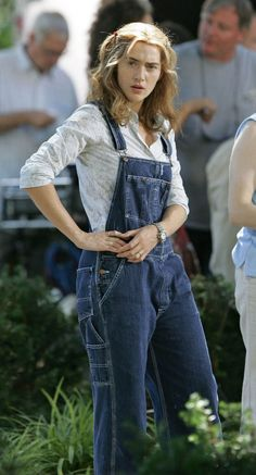 Denim Overalls Outfit, Overalls Fashion, Dungarees, Overalls Style, Girl Outfits, Cute Outfits, Fashion Outfits, Women's Fashion, Farmer Overalls