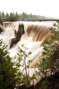 See Kakabeka Falls, Thunder Bay, this summer hopefully! Wonderful Places, Beautiful Places, Travel Abroad, Travel Tips, Canadian Things, Travel Memories, Landscape Photos, Cool Places To Visit, Beautiful World
