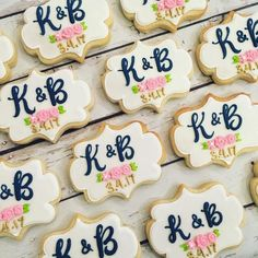 ideas bridal brunch cookies wedding favors for 2019 Wedding Shower Cookies, Cookie Wedding Favors, Cookie Favors, Wedding Favors Cheap, Wedding Desserts, Decorated Wedding Cookies, Wedding Shower Foods, Wedding Ideas, Royal Icing Cookies