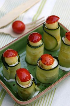 Zucchini with cheese and plum, Catalan cooking / Carbassó amb formatge i prunes.
