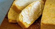Looking for a delicious twist on cornbread? I have the best recipe - Easy Amish Sour Cream Cornbread! Easy Amish Sour Cream Cornbread A quick, easy, super moist, dense, delicious cornbread that is made from Amish Recipes, Whole Food Recipes, Cooking Recipes, Cornbread Recipes, Dutch Recipes, Corn Recipes, Apple Recipes, Chicken Recipes, Butter