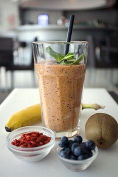 Trifora Superfood Smoothie  Banaan, kiwi, blauwe bessen, kokosmelk, gojibessen