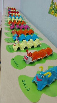 Good Images preschool crafts caterpillar Ideas This page has SO MANY Kids crafts which have been acceptable for Toddler and Preschoolers. I think it's time time pe Kids Crafts, Daycare Crafts, Summer Crafts, Cute Crafts, Toddler Crafts, Preschool Crafts, Easy Crafts, St Patrick's Day Crafts, Creative Crafts