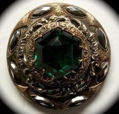 ANTIQUE BUTTON STUNNING LARGE EMERALD GREEN GLASS IN METAL GAY 90s w STEELS