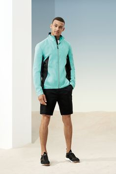 The BOSS Menswear Spring/Summer 2019 collection Gym Gear For Men, Gym Men, Adidas Tracksuit Mens, Suit Fashion, Mens Fashion, Hugo Boss Man, Fitness Apparel, Sport Wear, Dress Casual