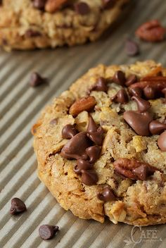 Toffee Cowboy Cookies - an old classic treat with a few fun twists, these delicious cookies are loaded with chocolate chips, sweet toffee bits and crisp toasted pecans. Cereal Recipes, Cookie Recipes, Cookie Ideas, Bar Recipes, Sweets Recipes, Yummy Recipes, Recipies, Snack Recipes, Best Chocolate Chip Cookie