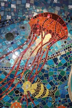 "Mosaic      jellyfish ...&  uh a ""bee""fish""?........right?!"