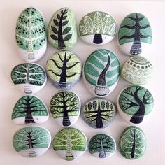 Painting stones are a creative way to imbue an ordinary object with art. Ignite your imagination with these rock painting ideas you can try today. Rock Painting Patterns, Rock Painting Ideas Easy, Rock Painting Designs, Pebble Painting, Pebble Art, Stone Painting, Painting Trees, Ink Painting, Stone Crafts