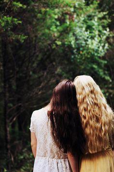 every brunette needs a blonde best friend! @Mattie Hooper