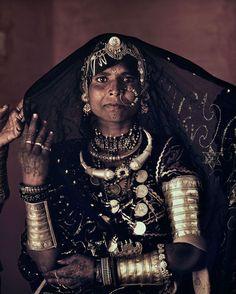 La magie de la mode ethnique indienne d'Inde, s'habiller dans un style ethnique chic tout droit venu d'orient pour une mode exotique et colorée.
