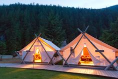 """""""Glamping"""" (glam camping) at Clayquot Wilderness Resort in Tofino, Vancouver Island, Canada. My kind of camping Resorts, Camping Am Meer, Camping Con Glamour, Safari, Wilderness Resort, Deco Champetre, Beste Hotels, Camping Glamping, Camping Trailers"""