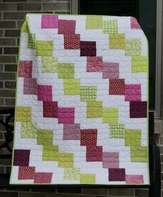 Stairsteps #quilt or falling charms.  Missouri Star Quilt Company has a cool tutorial for this.