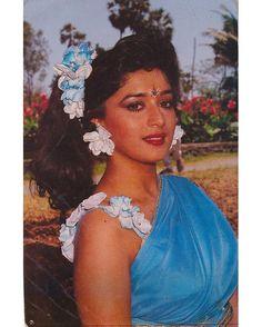 #MadhuriDixit Bollywood Stars, Bollywood Fashion, Bollywood Actress, Most Beautiful Indian Actress, Beautiful Actresses, Hot Actresses, Indian Actresses, Madhuri Dixit Hot, Western Photography
