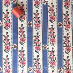 A selection of Portuguese fabrics: Belmonte azul claro   -  Retrosaria Rosa Pomar: Rua do Loreto, 61 - 2nd floor right (nearest subway station: Baixa Chiado. tuesday to saturday from 10am to 7pm