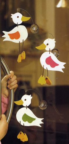 Duck Crafts, Baby Crafts, Diy Crafts For Kids, Easter Crafts, Mobiles, Anna Craft, Cool Art Projects, Art N Craft, Easter Activities