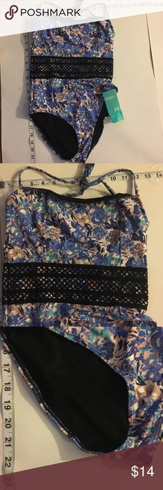30% Off Bundles NWT H&M swimsuit New with Tags. Combine with 3 more items to get 30% Off Bundles. H&M Swim One Pieces