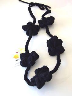 Collana/Big-flower yarn knitted long necklace di iotiamo su Etsy