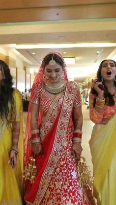Indian Wedding Photos, Indian Wedding Hairstyles, Bride Hairstyles, Indian Bridal, Indian Weddings, Bollywood Wedding, Bollywood Saree, Bollywood Fashion, Wedding Carriage