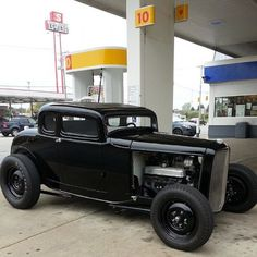 Hot Wheels - Damn how cool is this 32 Ford 5 window coupe via Need to get one of these for that weekend cruising! Rat Rods, Ford Motor Company, Classic Hot Rod, Classic Cars, Bobber, Harley Davidson, Ford Roadster, Traditional Hot Rod, Hot Rides