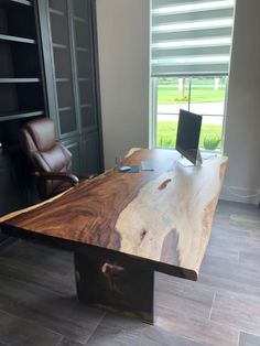 Parota viva | Muebles de parota Wood Slab, Dining Table, Furniture, Home Decor, Dining Rooms, Centerpieces, House Decorations, Mesas, Wood