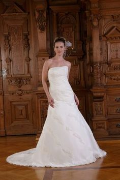 Elegante Brautkleider von CANELLI - CANELLI Kollektion 2011 -