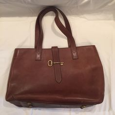 """Spotted while shopping on Poshmark: """"Fossil Tote Handbag""""! #poshmark #fashion #shopping #style #Fossil #Handbags"""