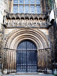 Lincoln Cathedral (The Cathedral Church of the Blessed Virgin Mary of Lincoln) | Lincoln, England