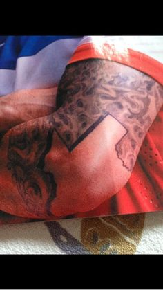 Clint Dempsey has the sickest Texas tattoo. I want one.