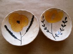 makes me want to make papier mache bowls all afternoon even tho' these are ceramic