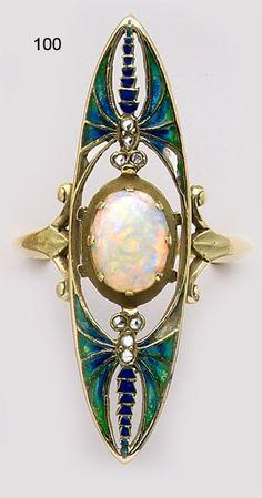 Ring | Eugène Feuillâtre. Opal, plique-à-jour enamel, diamond and gold dragonfly ring.   Art Nouveau, Paris.