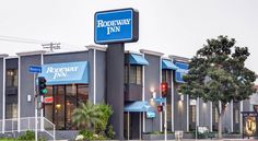 Rodeway Inn Los Angeles Los Angeles Directly across from the CBS Studios, this Los Angeles motel offers easy access to numerous popular attractions and provides comfortable accommodations in a central and convenient location.