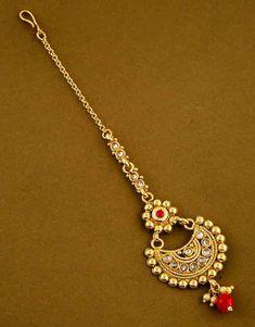 Maang Tikka Kundan, Maang Tikka Design, Tikka Designs, Tika Jewelry, Jewelry Art, Jewelry Design, Rajasthani Bride, Indian Jewelry Sets, Art Drawings Sketches Simple