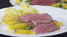 Ankbröst med apelsin- och fänkålssallad och turbogratäng | SVT.se Food Decoration, Frisk, Tuna, Meat, Beef, Atlantic Bluefin Tuna
