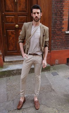 Blazer, T Shirt, Chinos, Shoes - Mmmm. let's say at p. Outfit Jeans, Chino Shoes, Blazer And T Shirt, Jogging, Casual Outfits, Fashion Outfits, Men's Outfits, Casual Clothes, Hipster Man